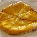インディアン レストラン ダルバル - チーズナン 450円