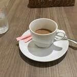 アジアご飯とお酒のお店 Shapla 神田店 - サービスのホットチャイ(半分くらい飲んじゃった(^◇^;))