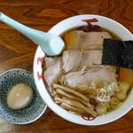127158377 - チャーシューメン(900円)+味付玉子(100円)