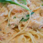 ファリナモーレ - 料理写真:ズワイガニとセロリとルッコラのトマトクリームソース スパゲッティーニ(+200円)
