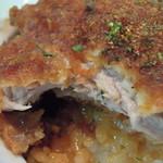 安田屋 - 【わらじかつ丼 1枚】わらじかつはやわらか... そして特製の七味をハラハラと... また風味がましてうんまいっす。