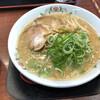 餃子の王将 - 料理写真:餃子の王将ラーメン。醤油豚骨スープてす。