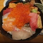 塚本鮮魚店 - 極み海鮮丼(ゴマしょうゆ)