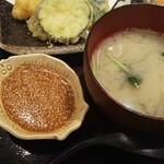 塚本鮮魚店 - アサリの味噌汁