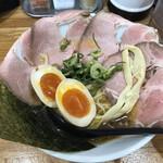 近江熟成醤油ラーメン 十二分屋 - 料理写真:
