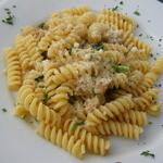 ランテルナ - 鶏もも肉の白ワイン煮込み季節の野菜添えフリッジのクリームソース