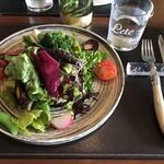 127210753 - 知多半島の野菜たっぷりのサラダ