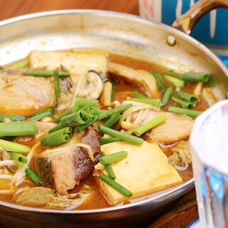 小鍋と土佐酒で軽く一杯♪濃厚な八丁味噌との相性ピッタリ!