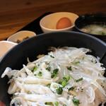 大洗町漁協 かあちゃんの店 - 白魚の2色丼