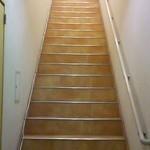 クワトロ チンクエ - 入口に続く階段