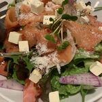 おやさいバル TIERRA - サラダ 野菜たっっぷり!!彩り◎