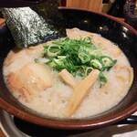 麺匠 えい蔵 - 背脂超濃厚豚骨醤油なえい蔵ラーメン800円