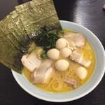 127228773 - 2020年3月時点 チャーシュー麺¥900  鶉味玉¥50海苔¥50とトッピング激安‼️