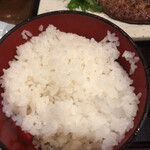 炭火焼専門食処 白銀屋 - ちょうどいい炊き加減のご飯は美味い