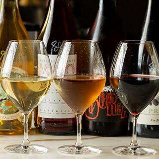 クラフトビール・自然派ワイン・日本酒等、お酒の品揃えも充実!