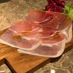 新宿 個室 肉&チーズ Meat&Cheese Ark -