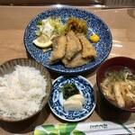 127264377 - 鯵フライ定食