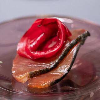 プレゼンテ スギ - 料理写真:2020.3 GV鰹(中落ちを生利節にしてフランボワーズの香りを加えたスープでGVした魚体8kg勝浦初鰹、ビーツのピクルス、水切りした千葉産牛乳の自家製ヨーグルト)
