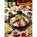 韓国館 - 30種類以上の豊富な鍋料理