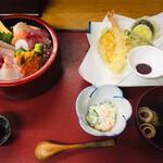 浜誉 - 海鮮ちらし定食1,400円   ↑これに茶碗蒸しが付きます。