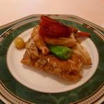天外天 - 牛フィレ肉の湯葉包み炒め