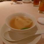 天外天 - キヌガサ茸と白身魚のスープ