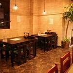 麺屋 五郎蔵 - テーブル席
