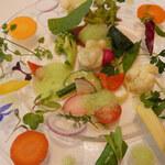 127291002 - モネの庭園風サラダ