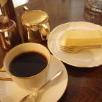 ピアノフォルテ - コーヒー500円 チーズケーキ+250円