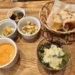 127301347 - ランチについてくる前菜やスープなど。