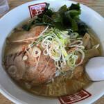 昇龍 - 味噌ラーメン 750円