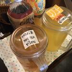 クンメー - 左のタイのお茶。 サッパリしていてとても美味しい。