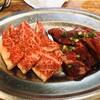炭火焼ホルモンたつや - 料理写真:カルビとサガリ