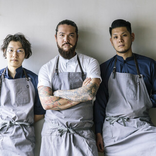 有名店で学んだ3人による、ハイセンスなレストラン