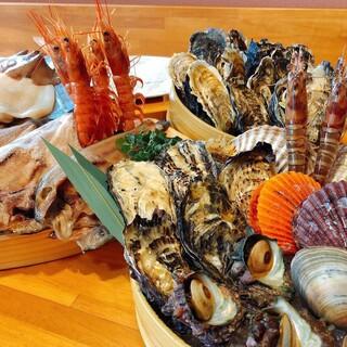 お得【海鮮盛り食べ放題スタート!】