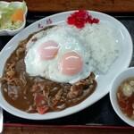 丸福 - 目玉カレー 780円