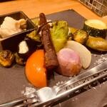 壺川 - 彩り野菜のグリル 岩塩とアンチョビソース添え