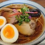 らぁ麺 くろき - 鶏煮干しらぁ麺+煮玉子