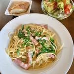 ワインカフェ サルト - 本日のパスタ(\1,200) ベーコンと菜の花