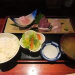 Uozaru - 地魚の刺身定食
