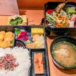 日本料理 やしま - 特製ランチ(内容は週替わり) 1,500円(大盛=同価格)