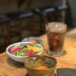 四五六 其の弐 - 牛バラ定食 すき焼き風 ~立川市伊藤養鶏場卵黄付き~ 1,000円。