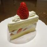 ラシェットブランシュ湘南 - 料理写真:苺のショートケーキ