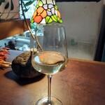 127377296 - グラスワイン
