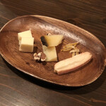 ソーロイオ - チーズ盛り合わせ