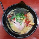 麺屋 かねもり - 「とんこつ味噌」750円。