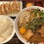 うだつ食堂 - 全部入り中華そば(大) + 餃子6個セット + めし