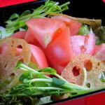 笑う門 - トマトゴロゴロサラダ