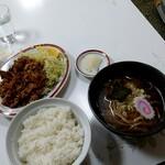 万福 - 料理写真:焼肉ライスと半ラーメンのセット(税込1100円)