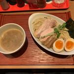 ヒキュウ - 鶏白湯魚介つけ麺(並盛)